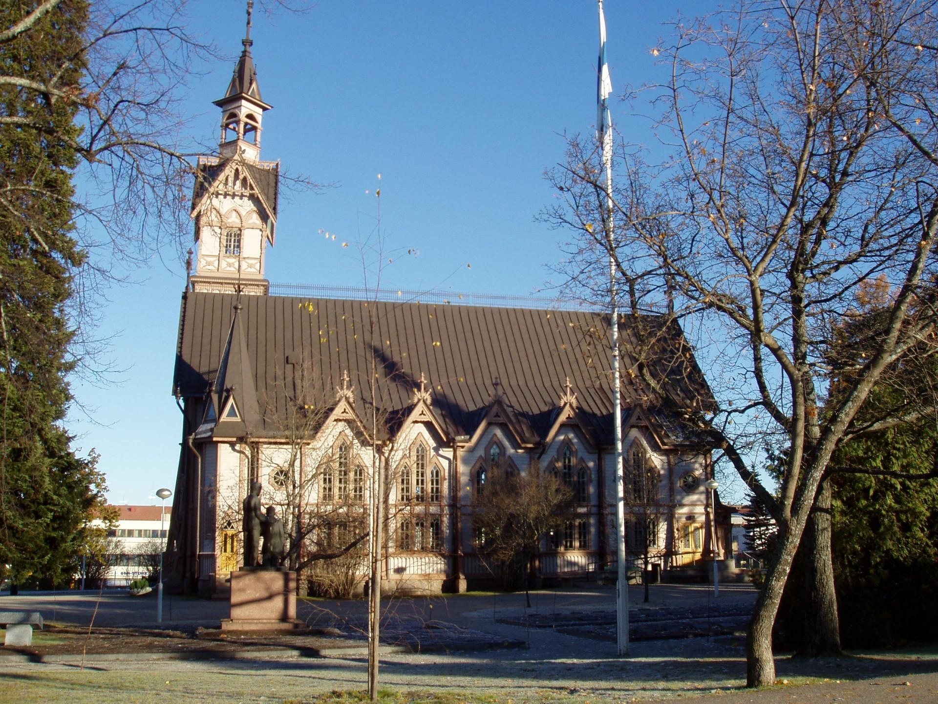 Kajaanin evankelis-luterilaisen kirkon suunnitteli arkkitehti Jac. Ahrenberg.
