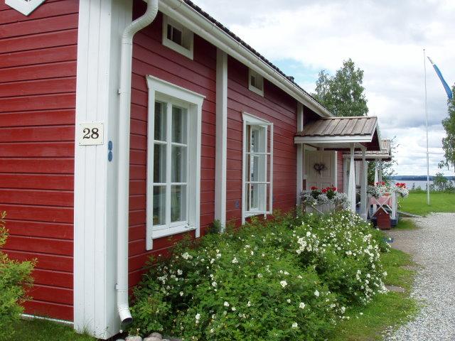 Paltaniemellä sijaitseva Eino Leino -talo on kesäisin vilkas turistikohde.