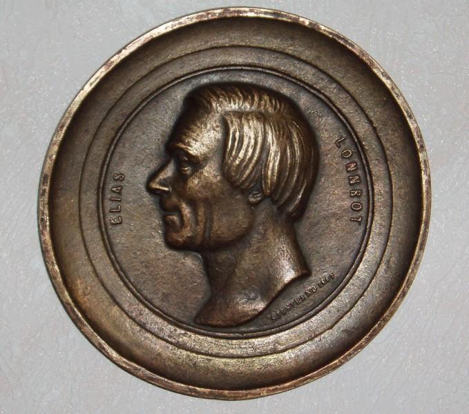 Elias Lönnrot oli taitava kulkutautien kukistaja.